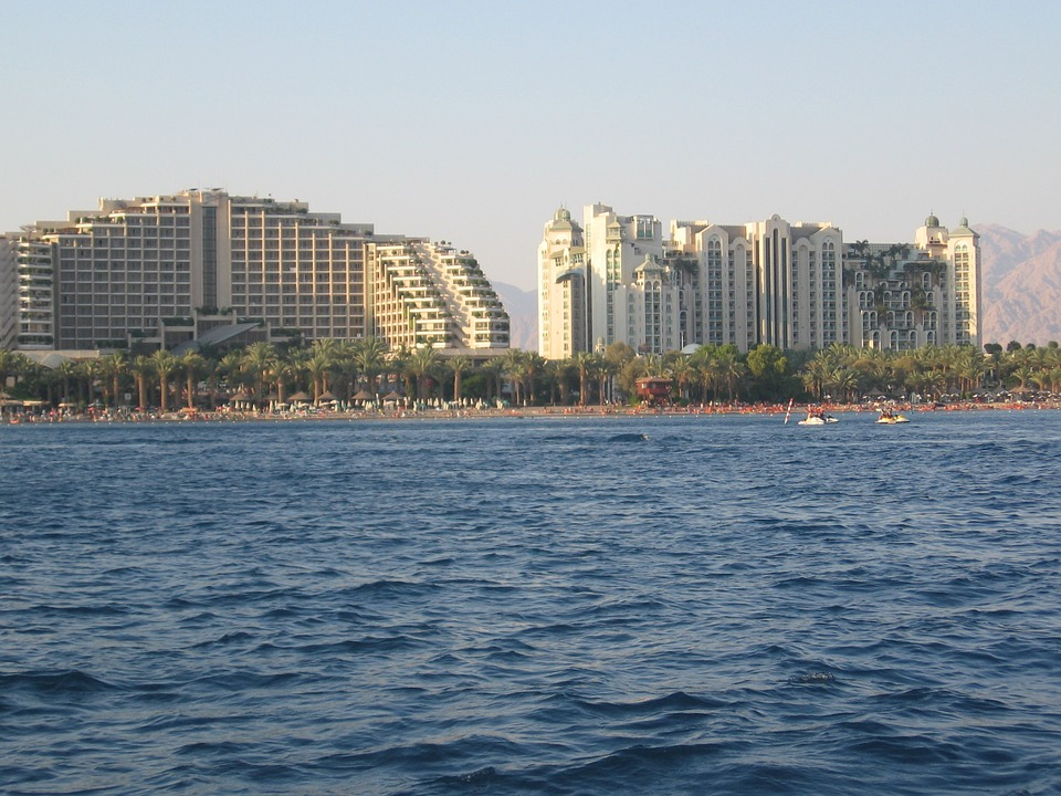 Eilat - Cheap Flights and Tips for a Sunny or winter vacation in Israel. Recommended Hotels